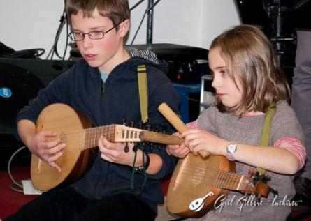 <titrephoto>photos</titrephoto> : Concert présentation des élèves de luth de l'école <em> l'élastique à musique </em> (prof. Cyril Gilbert)