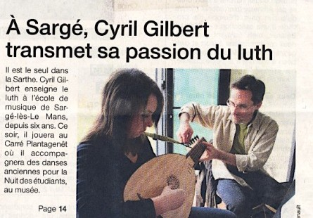 <titrevideo>article</titrevideo> : <em>Cyril Gilbert transmet sa passion du luth</em> en Une du <em>Ouest France</em>
