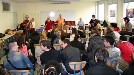 <titrephoto>photos</titrephoto> : intervention d'<em>À Plaisir</em> (coord. Cyril Gilbert) en milieu scolaire au lycée