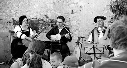 <titrephoto>photos</titrephoto> et <titrephoto>article</titrephoto> : musique au manoir de la Gauberdière (Orne)
