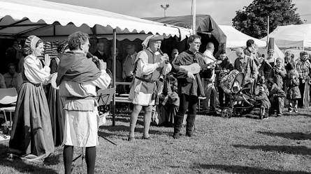 <titrephoto>photos</titrephoto> : participation à une fête médiévale à Solesmes (Sarthe)