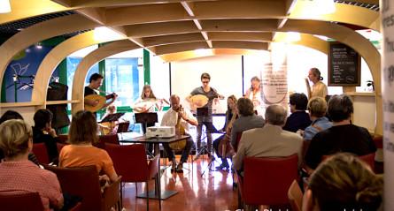 <titrephoto>photos</titrephoto> : musique à la librairie Thuard du Mans