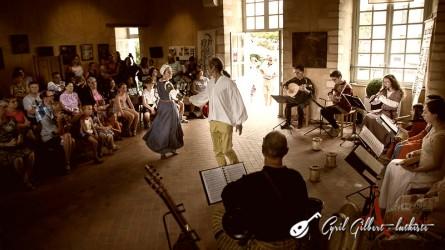 <titrephoto> photos </titrephoto>et<titrephoto> vidéos</titrephoto> : <em>À Plaisir</em> (dir. Cyril Gilbert) à la fête médiévale du château de Sillé-le-Guillaume