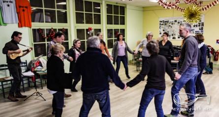 <titrephoto> photos </titrephoto>, <titrephoto> vidéo</titrephoto> et  <titrephoto> article</titrephoto> : stage d'initiation à la pratique du chant de la Renaissance pour mener la danse (<em>À Plaisir</em>, dir. Cyril Gilbert)